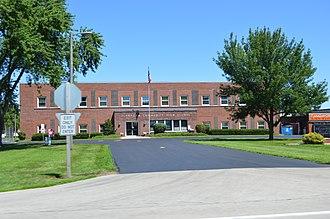 Flanagan, Illinois - Flanagan high school on Illinois Route 116