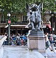 Fontaine Saint-Michel 1, Paris mai 2011.jpg