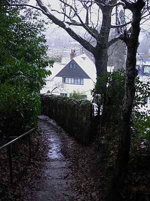 Haslemere - Footpath within the developed hills of central Haslemere