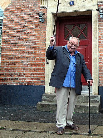 Anker Jørgensen - Anker Jørgensen leaving the place of his residence for 49 years, the Copenhagen working class district Sydhavnen (South Harbour).
