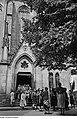 Fotothek df roe-neg 0002814 004 Besucher der Bachfeier beim Verlassen der Thomaskirche.jpg