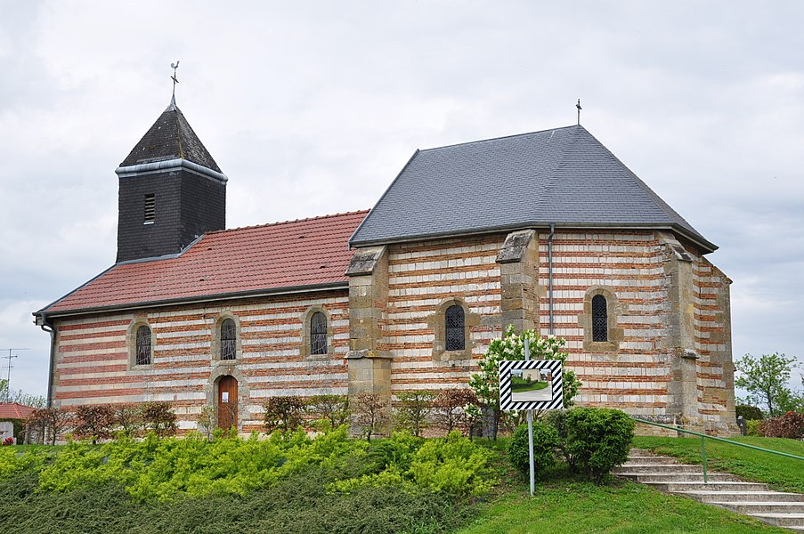 Church of St. Julian in Élise (municipality of Élise-Daucourt, canton Sainte-Ménehould, arrondissement Sainte-Ménehould, Marne department, Champagne-Ardenne region, France).