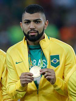 c032b351e5 Gabriel recebendo a medalha de ouro nos Jogos Olímpicos de 2016.