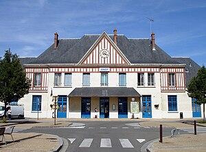 Gisors Station - Entrance