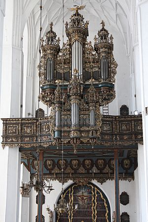 St. Mary's Church, Gdańsk - Organ inside the church
