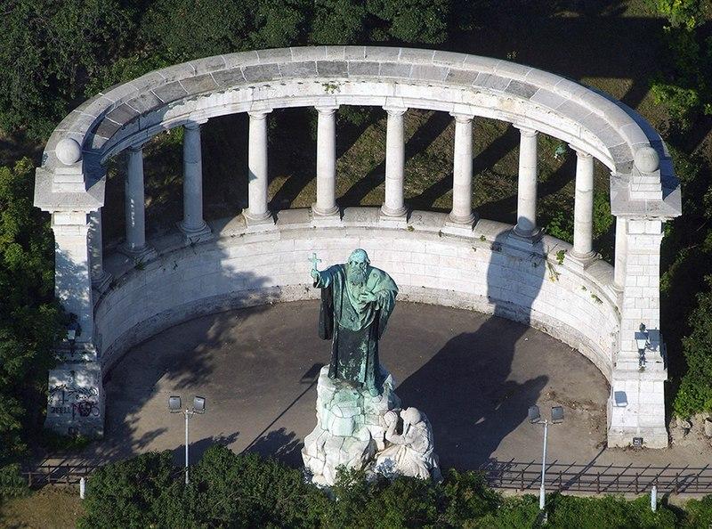 File:Gellért szobor légifelvételen.jpg