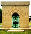 Getty Tomb Graceland Sullivan front.jpg