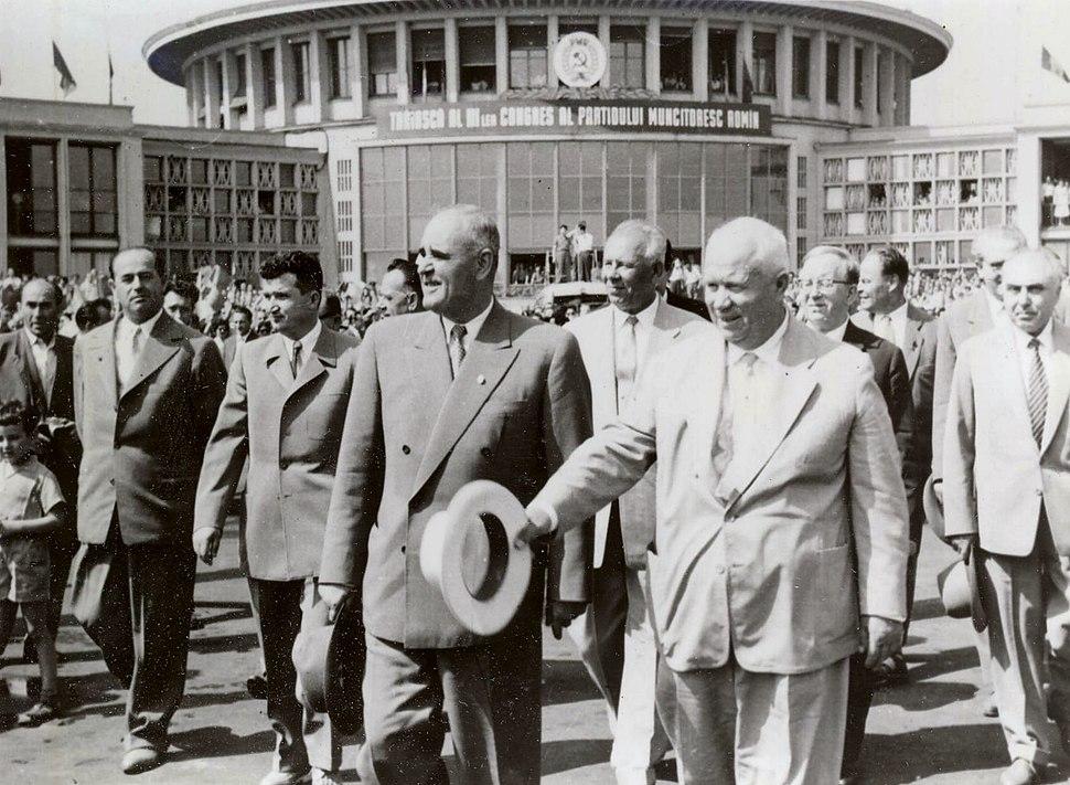 Gheorghiu-Dej %26 Khrushchev at Bucharest%27s Baneasa Airport (June 1960)