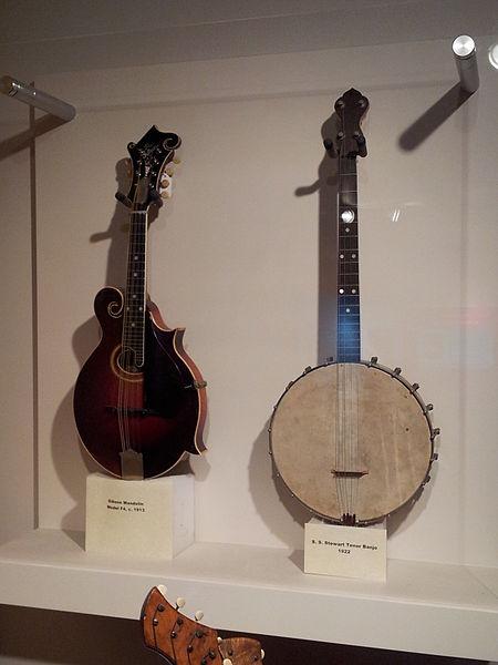 File:Gibson Mandolin model F4 (c.1913), S.S. Stewart Tenor Banjo (1922), Museum of Making Music.jpg