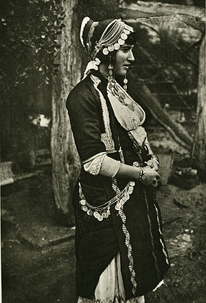 Alexandreia, Greece - Married woman from Alexandreia, early 20th century (Collection of the Peloponnesian Folklore Foundation, Nafplio).