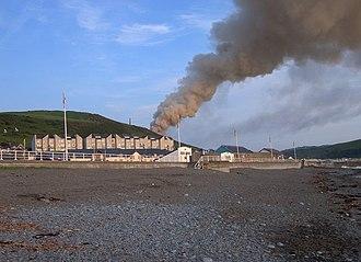 Penparcau - A grass fire on Pen Dinas in 2007, behind Penparcau