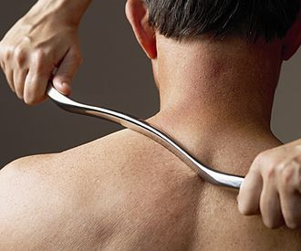 Chiropractic treatment techniques - Image: Graston Technique shoulder treat