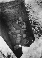 Grav 19, fynd in situ. Amathus. Agios Tychos - SMVK - C02290.tif