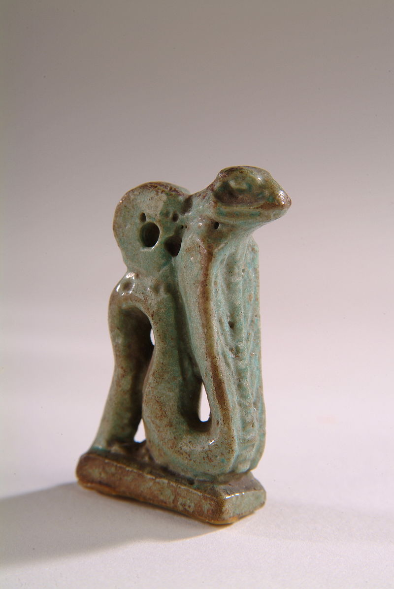 Faience green glazed Cobra amulet  800px-Green_glazed_cobra_amulet_HARGM7405