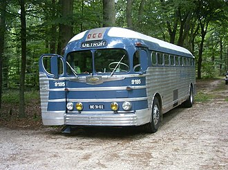 Greyhound Lines - A Greyhound GMC PD-3751 Silversides in the 1950s livery