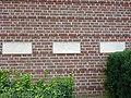 Groesbeek (NL) Breedeweg, oorlogsmonument bij kerk (02).JPG