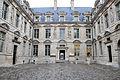 Hôtel de Sully, cour intérieure.jpg