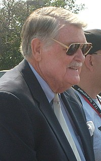 Hayden Fry American football player and coach
