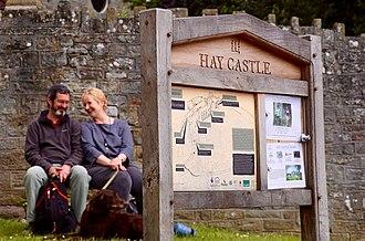 Hay Festival - Image: Hayfestival 2016 town haycastle couple