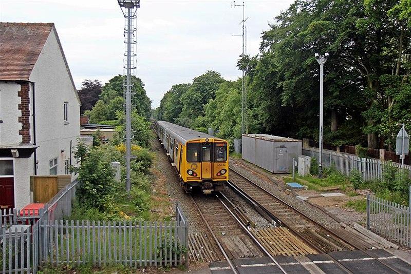 File:Heading to Liverpool, Freshfield Railway Station (geograph 2993638).jpg