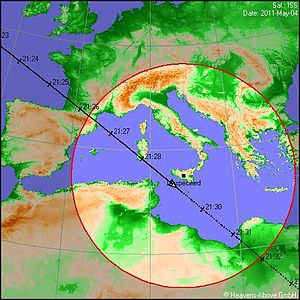 Heavens-Above - A ground track from Heavens-Above. An observer in Sicily can see the International Space Station when it enters the circle at 9:26 pm. A bright object appears in the northwest, crosses the sky to a point almost overhead, and disappears, in the span of three minutes.