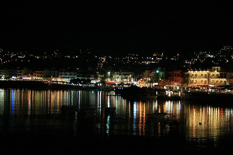 Noche en Creta