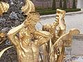 Het Loo Palace - main fountain - socle.JPG