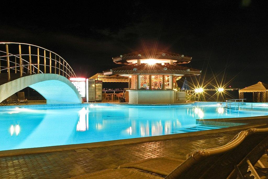 File Hotel Diamond Outdoor Swimming Pool Night Shot Wikimedia Commons