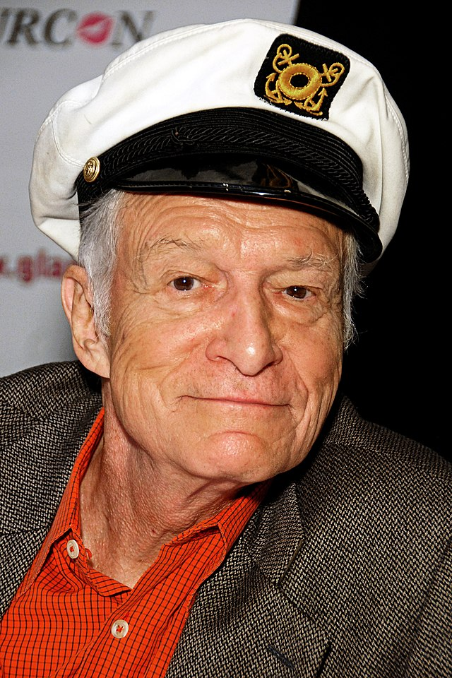 The 91-year old son of father Glenn Lucius Hefner and mother Grace Caroline, 175 cm tall Hugh Hefner in 2017 photo
