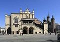 I10 052 Tuchhallen und Marienkirche.jpg