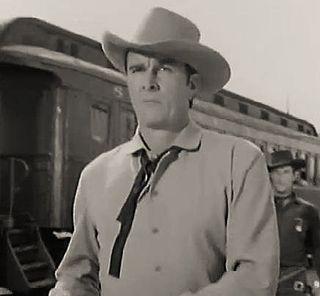 Ian MacDonald (actor) American actor
