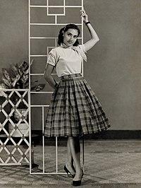 Indriati Iskak in a promotional still (c. 1960), by Tati Photo Studio.jpg