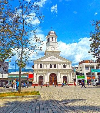Itagüí - Image: Itagui central park church