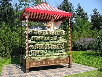 The Princess and the Pea - The Princess and the Pea in the Danish floral park Jesperhus