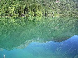 Jiuzhaigou Lake.jpg