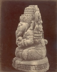 KITLV 87755 - Isidore van Kinsbergen - Sculpture of Ganesha at Bara in Kediri - Before 1900.tif