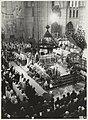Kardinaal Willebrands betreedt de altaarruimte in de Kathedraal St. Bavo bij de uitvaartdienst van Mgr. Zwartkruis. NL-HlmNHA 54025671.JPG