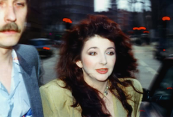 Kate Bush al Comic Relief del 1986
