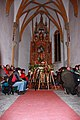 Kirche am Magdalensberg - Altar mit Pilgerkreuze.JPG