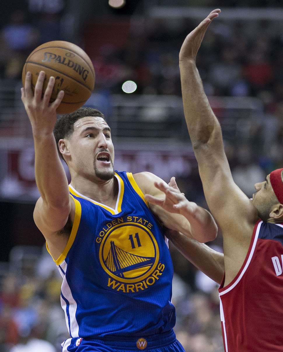 Klay Thompson vs. Jared Dudley (cropped)