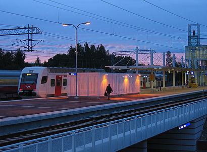 Kuinka päästä määränpäähän Koivukylän Asema käyttäen julkista liikennettä - Lisätietoa paikasta