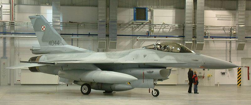F-16 su obi�ni kr�evi sa fri�kom farbom