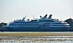 L'Austral di Pelabuhan Benoa.jpg