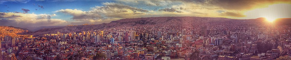 """View of La Paz at sunset, from the """"Killi Killi"""" lookout."""