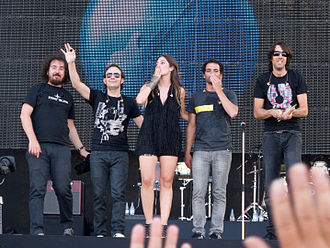 La Oreja de Van Gogh - From left to right: Xabi San Martín, Pablo Benegas, Leire Martínez, Álvaro Fuentes and Haritz Garde.