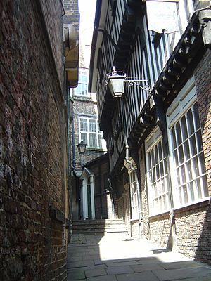 Snickelways of York - Image: Lady Peckett's Yard 2007 04 14