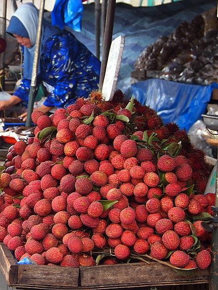 Lychees at a market