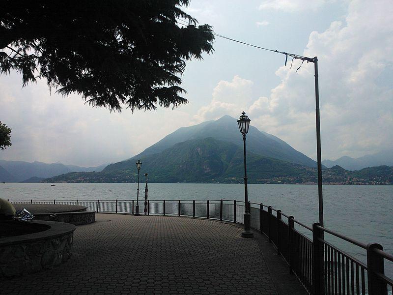 File:Lake Como from Varenna (01).jpg