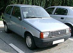 https://upload.wikimedia.org/wikipedia/commons/thumb/5/5c/Lancia_Y10_front_20070920.jpg/240px-Lancia_Y10_front_20070920.jpg