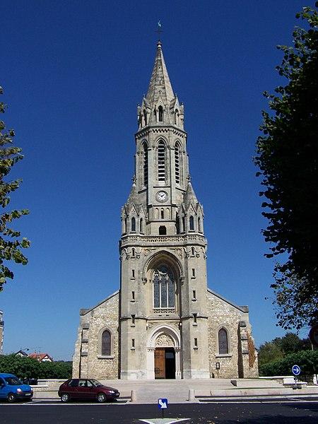 Église Saint-Antoine-de-Padoue au Chesnay (Yvelines, France)